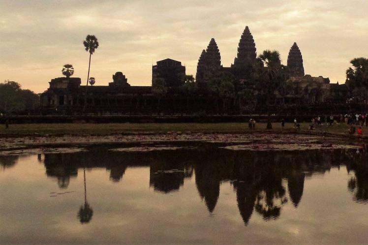 Angkor Wat ao pôr do sol - Camboja