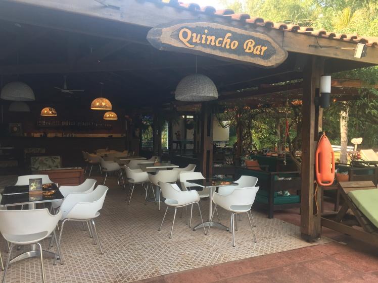 Quincho Bar - Em frente a piscina