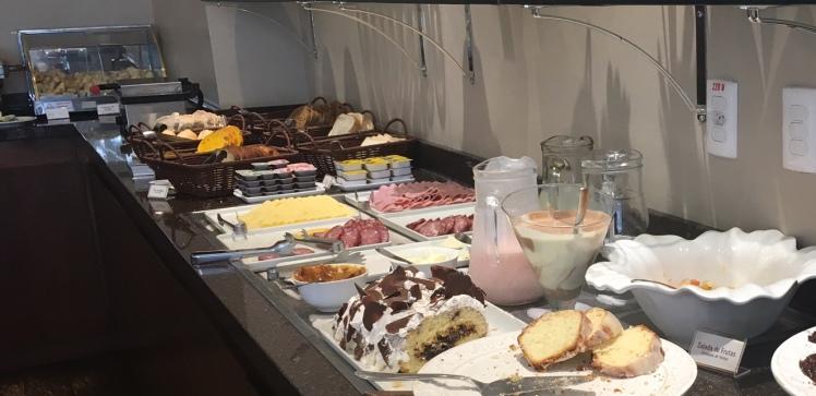 Café da manhã no Encantos Charme