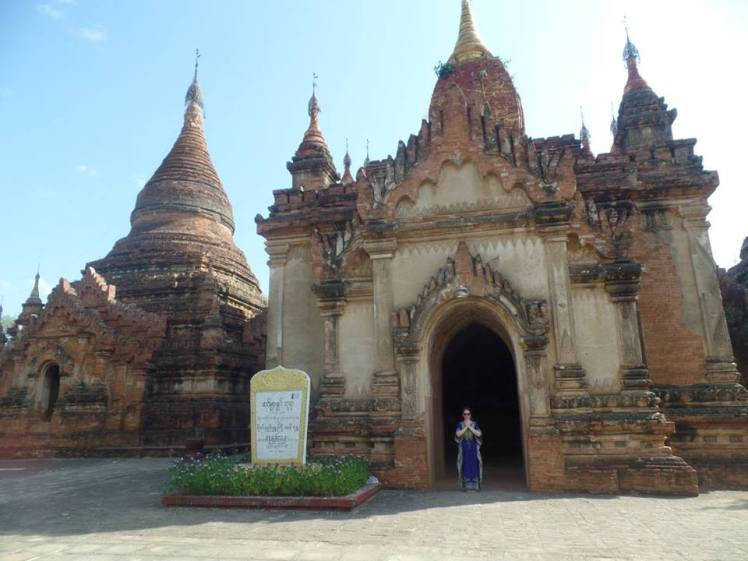 Um dos 3 mil Templos de Bagan