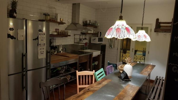 Cozinha compartilhada em Hostel em Bolonha